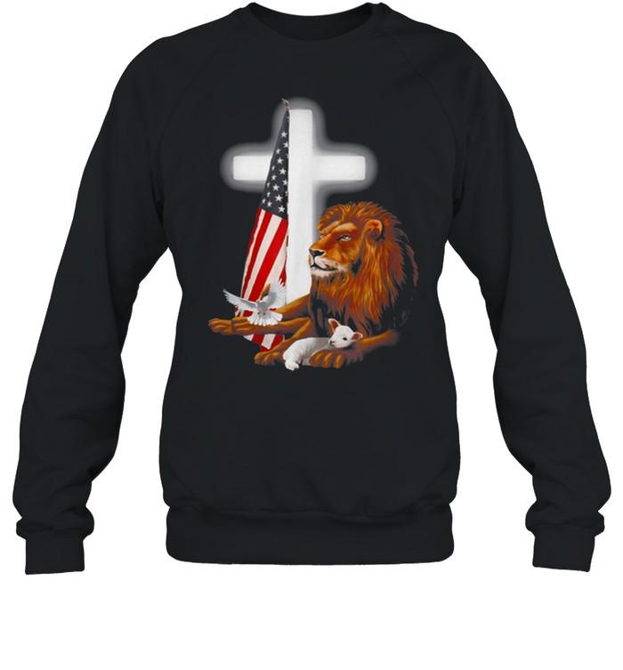 LION AND LAMB CROSS  Unisex Sweatshirt