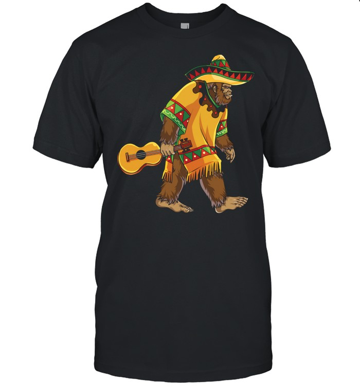 Bigfoot El Squatcho Cinco de Mayo Mexican Mariachi Sasquatch  Classic Men's T-shirt