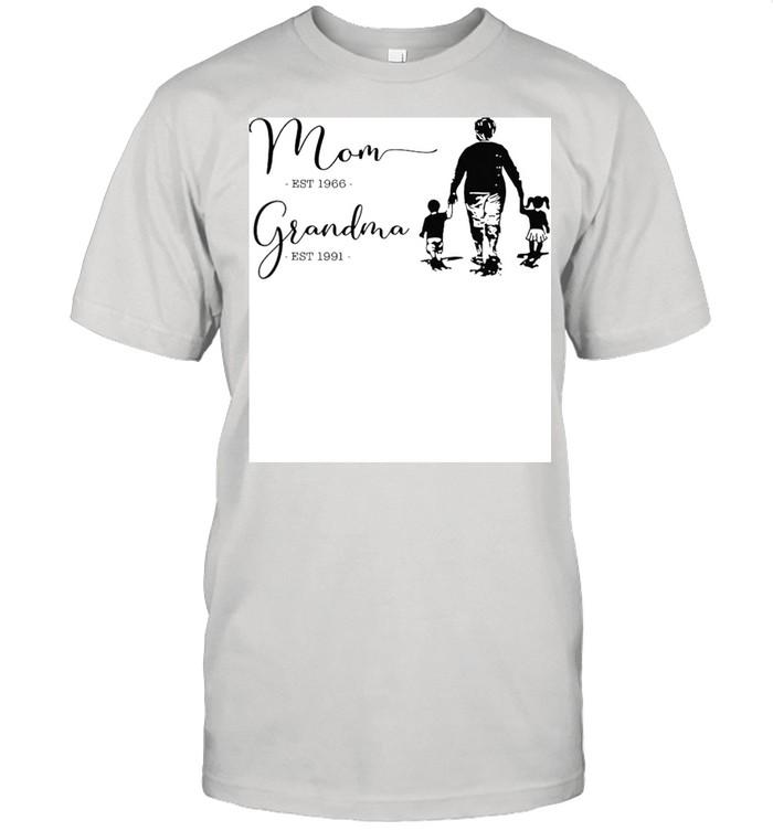 Mom est 1966 grandma est 1991 shirt Classic Men's T-shirt