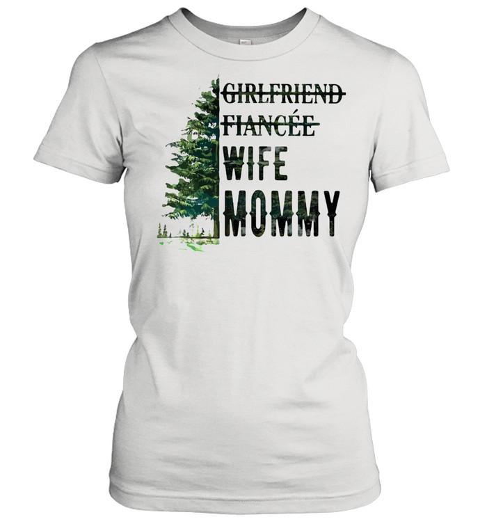 Girlfriend Fiancee Wife Mommy Classic Women's T-shirt
