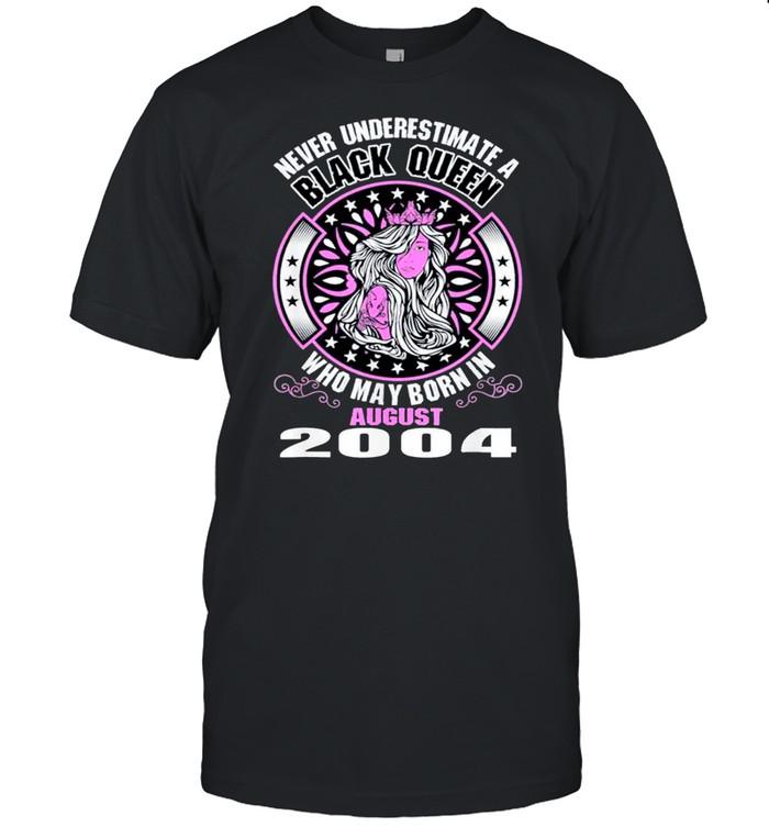 Never Underestimate A Black Queen Born In August 2004 Classic shirt Classic Men's T-shirt